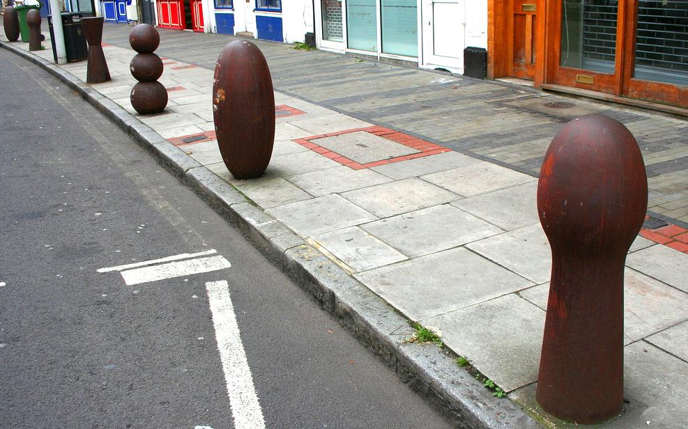 INTRO_Gormley_bollards_street_furniture (1)
