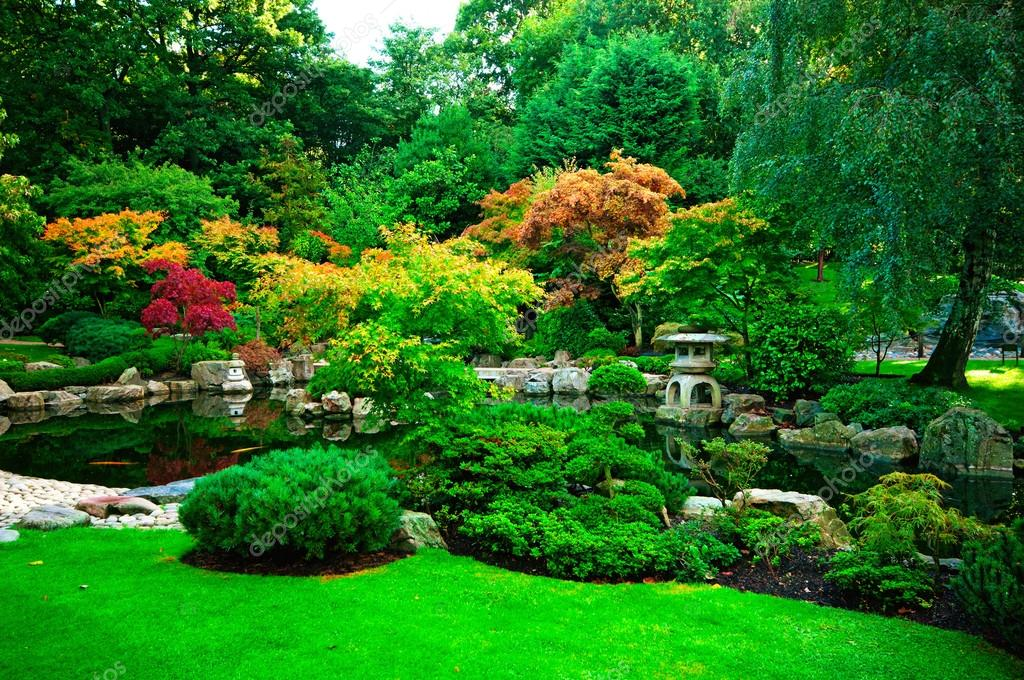 depositphotos_6858520-stock-photo-kyoto-garden-in-holland-park