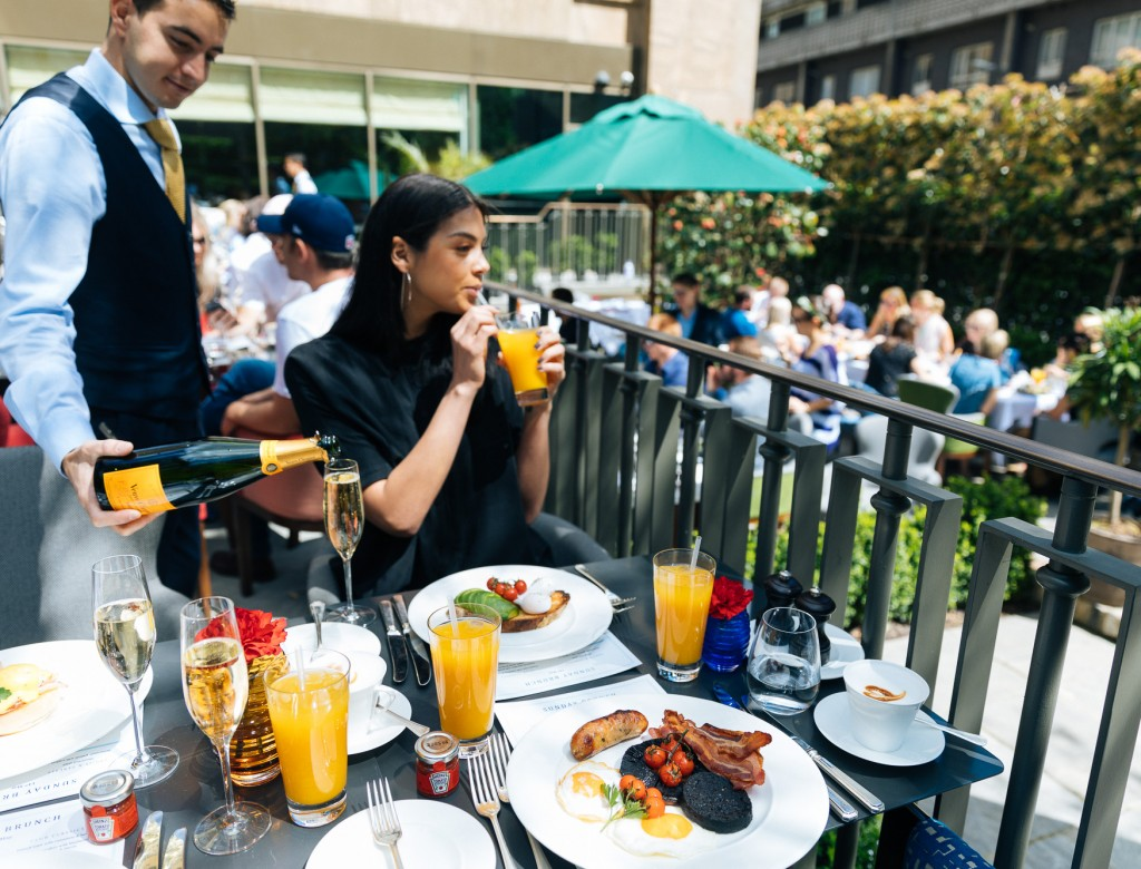 Devonshire Club Sunday  brunch, interiors and exteriors